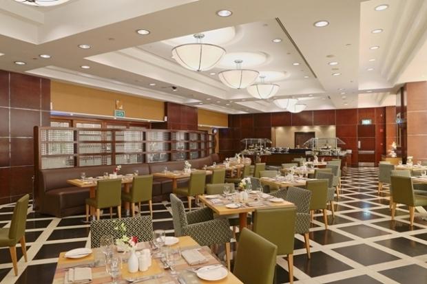 downtown-restaurant-at-copthorne-kuwait-city